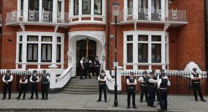 embaixada ecuador_assange1