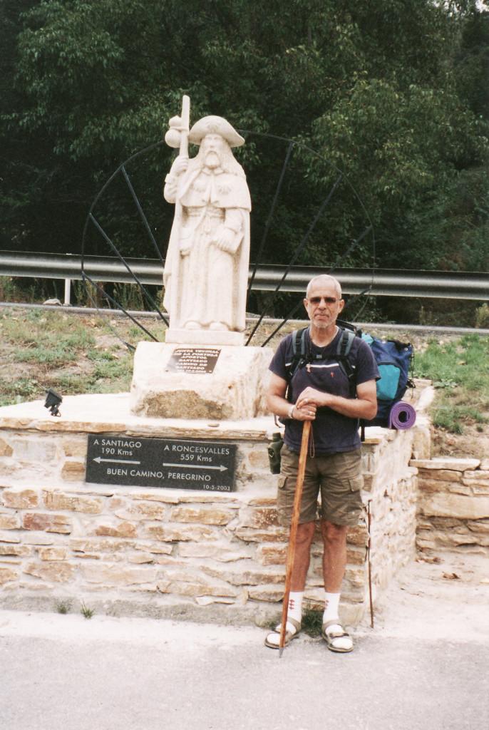 Triacastela-Lugo, Santiago's statue, 190 km to Santiago de Compostela