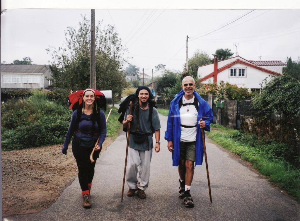 Arriving at Santiago de Compostella: Paula & Blas (Majorca) and Antonio C.S. Rosa.