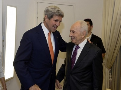 US Secretary of State John Kerry (L) meets with Israel's President Shimon Peres in Tel Aviv on July 23, 2014 (AA via MEE)