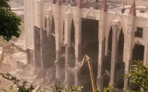 Chinese officials destroy a Christian Church in Wenzhou in 2014. Source: The Telegraph