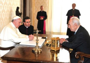 Francis and Peres at the Vatican meeting in September 2014. Source: The Jerusalem Post