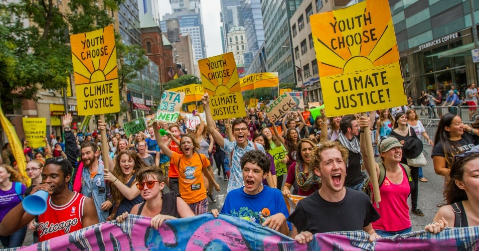 Students leading a contigent during the People's Climate March in New York City in 2014. (Photo: 350.org/Shadia Fayne Wood/Survival Media Agency)