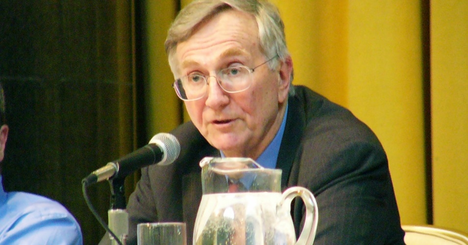 Sy Hersh speaking at Columbia University. (Photo: Marjorie Lipman/cc/flickr)