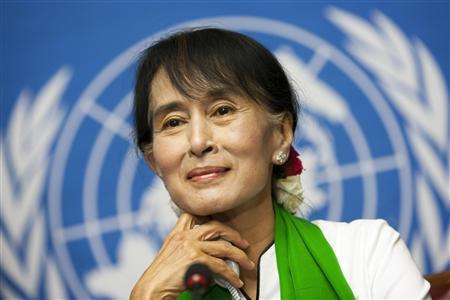 Myanmar's pro-democracy leader Aung San Suu Kyi attends a news conference after addressing the 101st session of the International Labour Conference of the International Labour Organisation (ILO) at the United Nations European headquarters in Geneva June 14, 2012. REUTERS/Valentin Flauraud