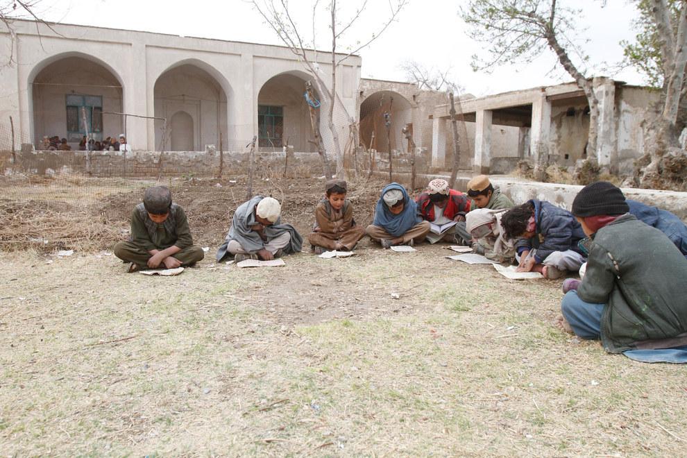Deh-e-Bagh Mosque. Azmat Khan / BuzzFeed News