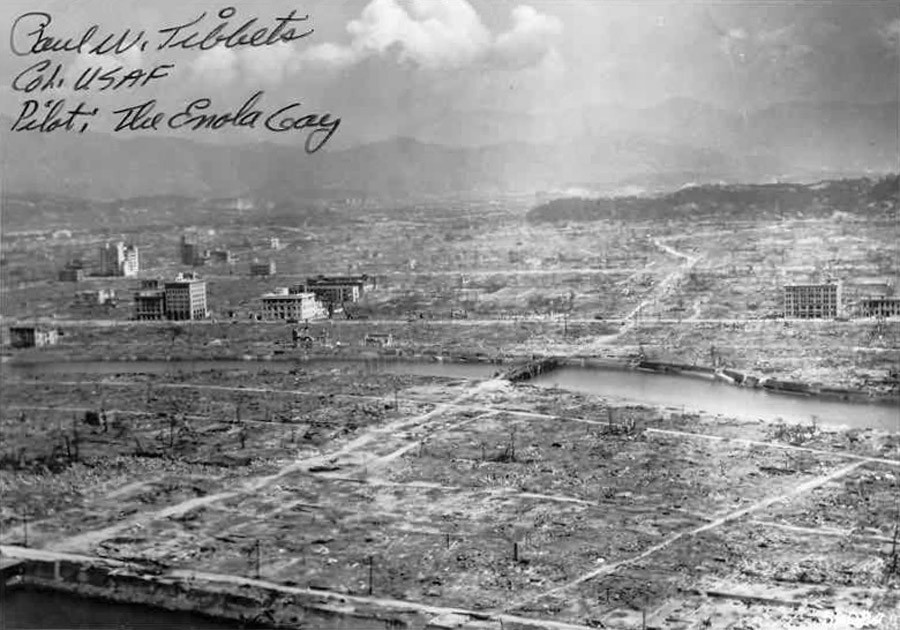 Hiroshima aftermath © U.S. Navy Public Affairs Resources Website / Wikipedia
