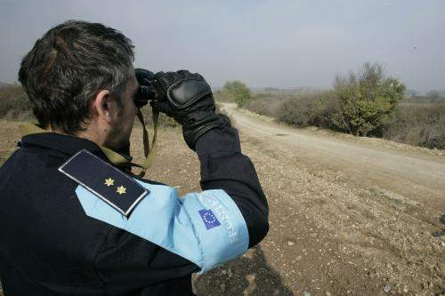 Frontex member on joint patrol with Greek police. Photo via Flickr