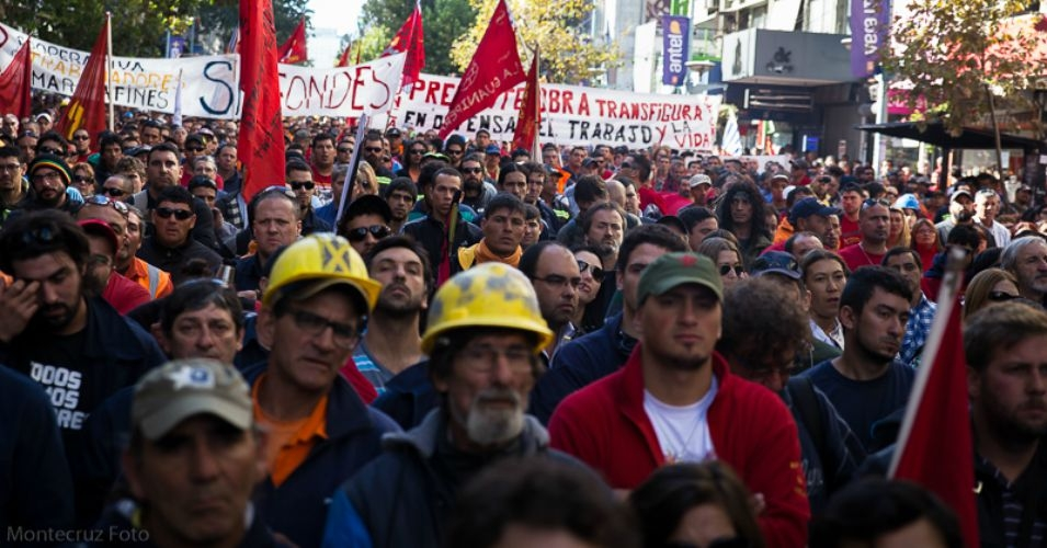 Thousands in Uruguay participated in protests against TISA earlier this year. (Photo: Courtesy of Montecruz Foto/CC BY 3.0)
