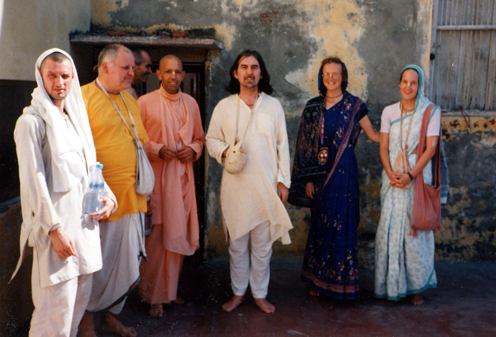 George Harison with Hare Krishnas in Vrndavana, India, birthplace of Lord Krishna. www.harigeorgeson.com