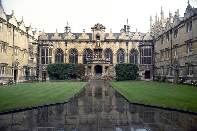 Sweeping lawns and pathway lead up to the entrance of the hall at Oriel College, Oxford, in England. Founded by Alan Brome, it received its royal charter in 1326. (AP Photo/Allen)
