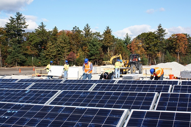 In 2015, reports found solar jobs grew by 31,000 and wind power jobs by more than 22,000, as part of windspread clean energy deployment. Photo credit: Massachusetts Office of Energy and Environmental Affairs / Flickr