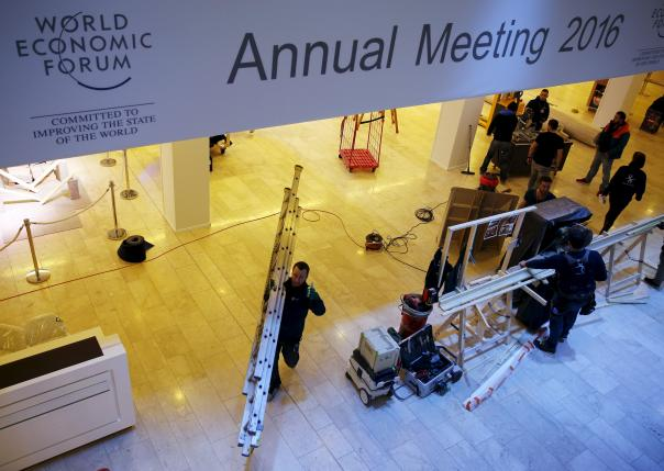 Workers prepares the congress centre ahead of the Annual Meeting 2016 of the World Economic Forum (WEF) in Davos, Switzerland, January 18, 2016. REUTERS/Ruben Sprich