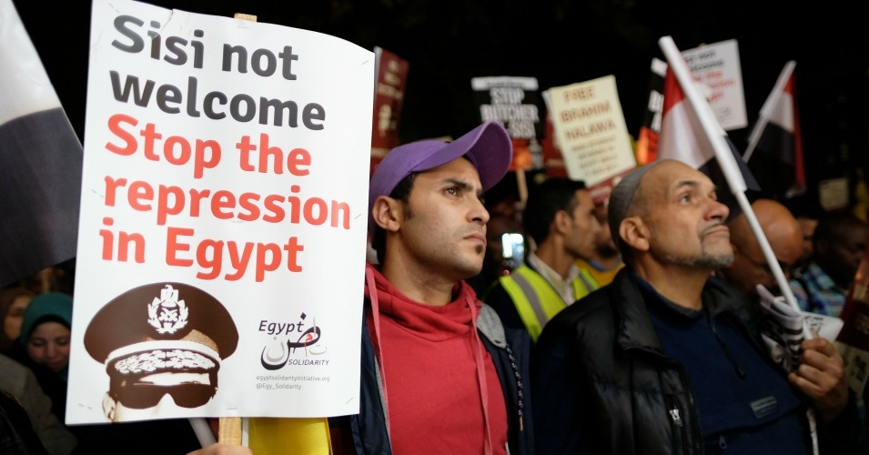 Protesters in London take part in a November 2015 action to protest a visit by Egypt's president Abdel Fattah al-Sisi. (Photo:  Alisdare Hickson/flickr/cc)
