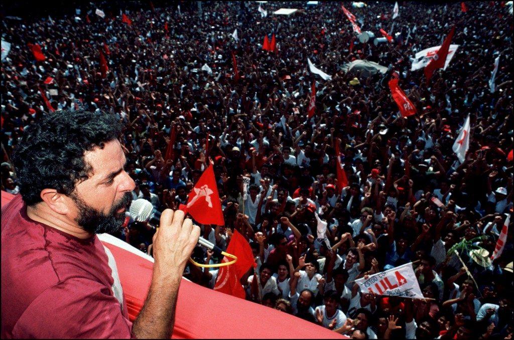 Comício para eleições presidenciais em São Bernardo do Campo circa 1989. Foto: Gamma-Rapho / Getty Images