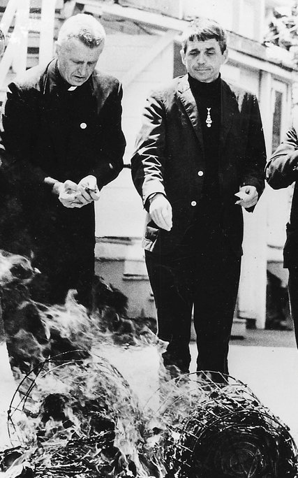 Father Berrigan, right and his brother Philip Berrigan seized hundreds of draft records and set them on fire with homemade napalm in 1968. Credit United Press International