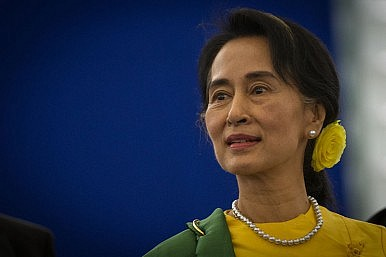 Image Credit: https://commons.wikimedia.org/wiki/File:Remise_du_Prix_Sakharov_%C3%A0_Aung_San_Suu_Kyi_Strasbourg_22_octobre_2013