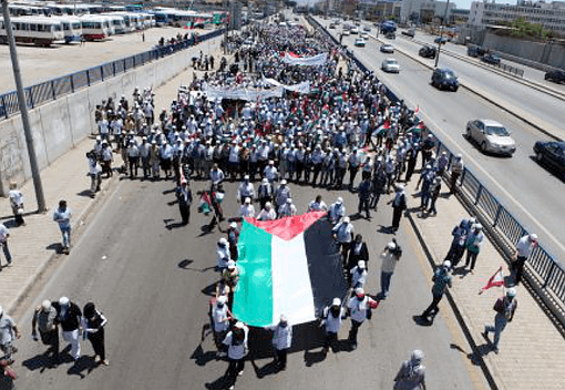 Palestinians march for civil rights in Beirut, Lebanon (photo:fplamb)