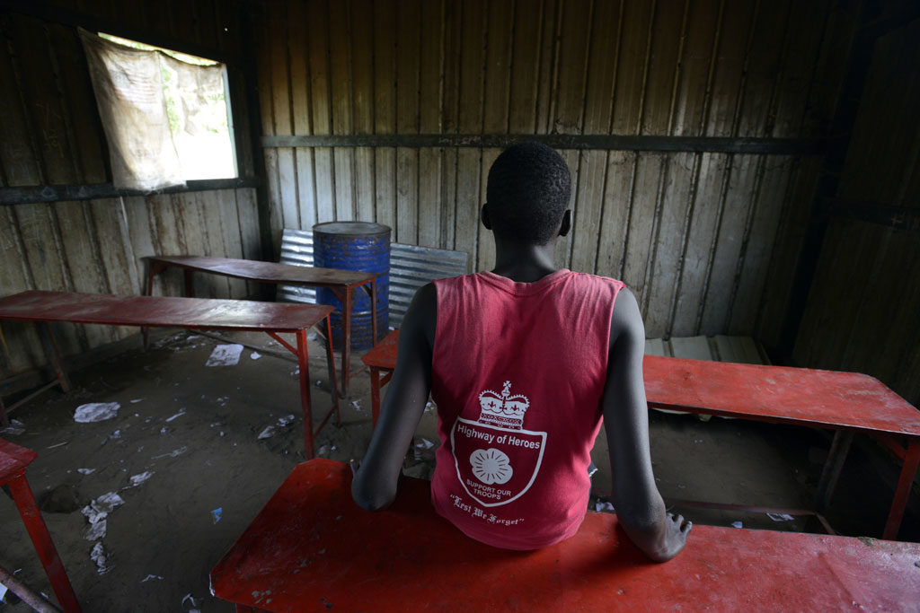 Gatkuoth (not his real name), 15 years old, was recently released from an armed group in South Sudan. He was recruited when he was just thirteen. UNICEF estimate that there are still 16,000 children associated with armed groups in the country. Photo: UNICEF/UN028379/Rich