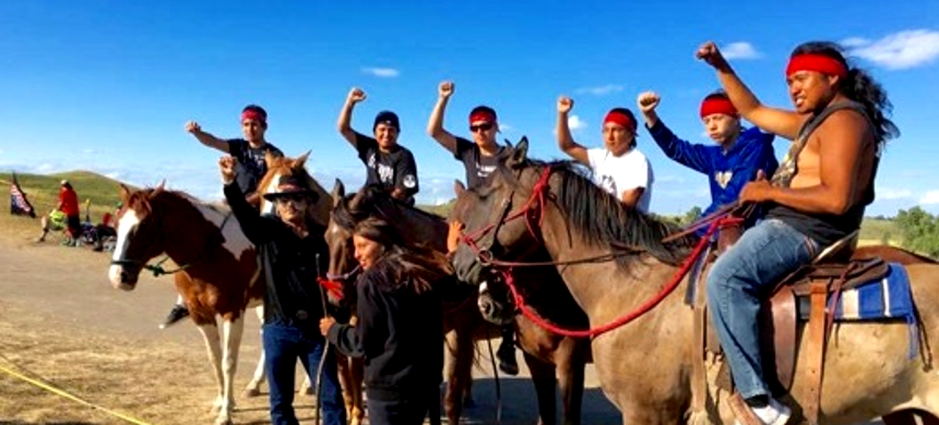 Activists at Standing Rock. (photo: Roundhouse Talk)