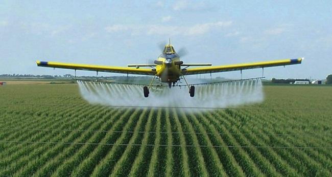 0-1-0-crop-duster-2-monsanto