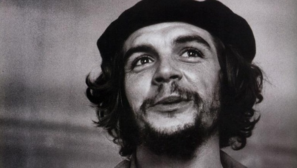 Che Guevara joined Fidel Castro in attempting to foment revolution in Cuba in 1956, arriving on a dilapidated yacht called Granma. | Photo: Archive