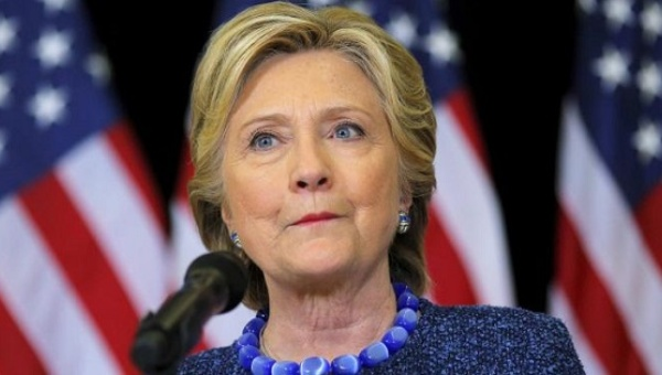Hillary Clinton holds an unscheduled news conference to talk about FBI inquiries into her emails, Des Moines, Iowa, U.S. Oct. 28, 2016. Photo: Reuters