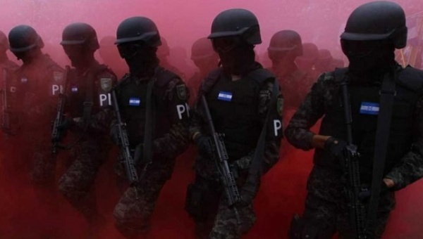 Members of the military police march during a parade commemorating Independence Day of Honduras. Photo: Reuters