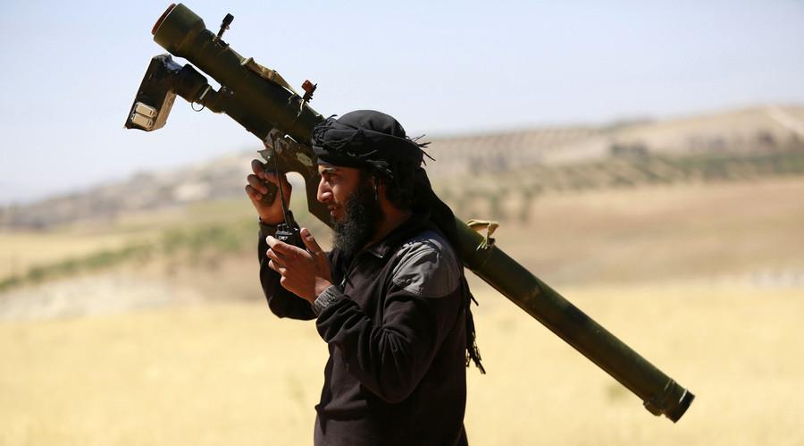 An Islamist Syrian rebel group Jabhat al-Nusra fighter © Hamid Khatib / Reuters