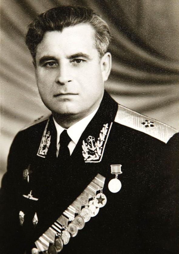 Em 2006, Mikhail Gorbachev nomeou o capitão Zateyev e a equipe do K-19 para o Prêmio Nobel da Paz por sua coragem pessoal.